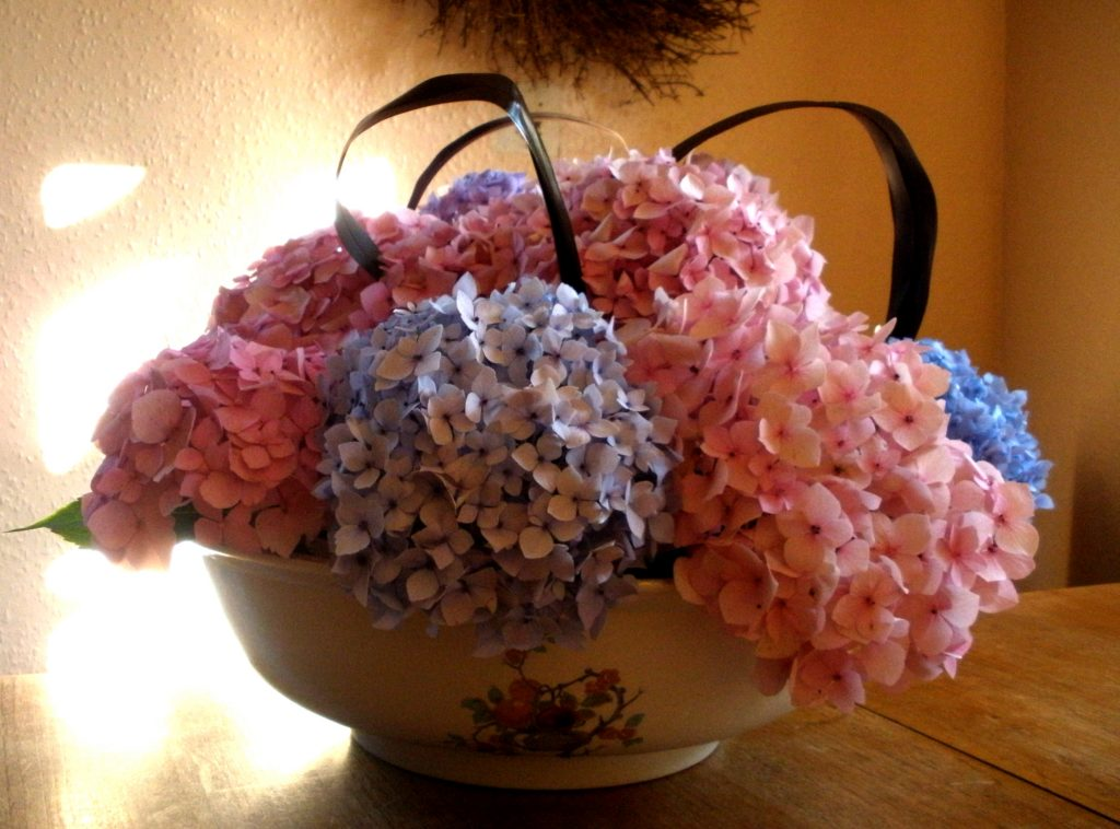 Pink and lilac table centrepiece by Shrinking Violet