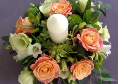 White and peach candle ring