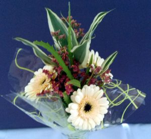 Neutral bouquet by Shrinking Violet