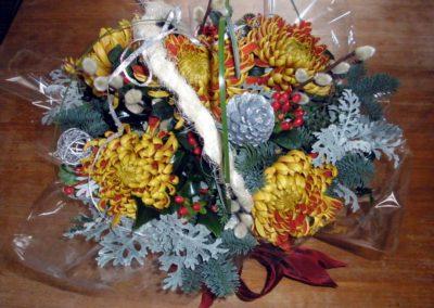Bright festive centrepiece